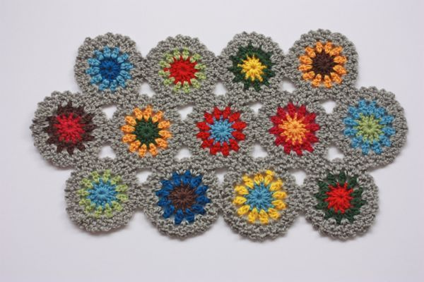 画像1: ほっこりカラーの手編みテーブルマットマット グレー系