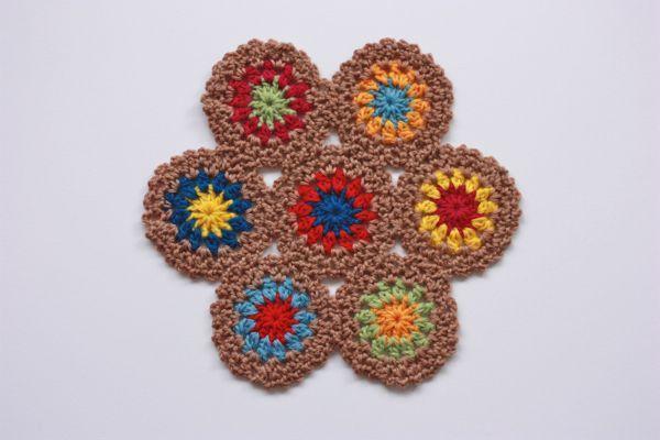 画像1: ほっこりカラーの手編みポットマット 茶系